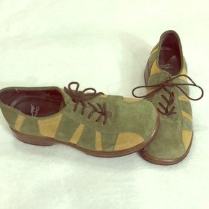 Dansko Folly Green Suede Lace-Up Oxfords Size 5.5